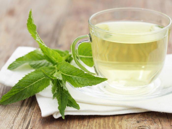 فوائد شاي النعناع قبل النوم للرجيم و البشرة