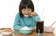 اضرار تناول السكر للاطفال بشكل مبالغ به