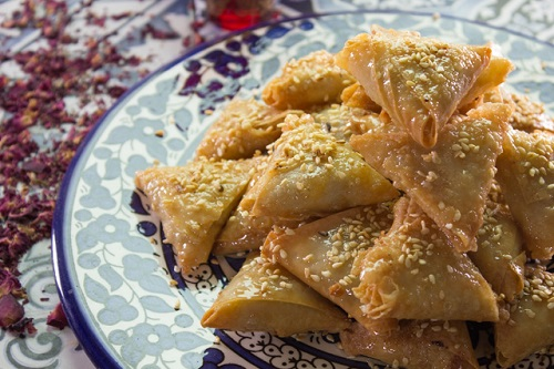 طريقة عمل بريوات باللوز مقلي حلى مغربي شهير