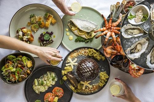 مطعم بيير شيك في فندق القصر دبي