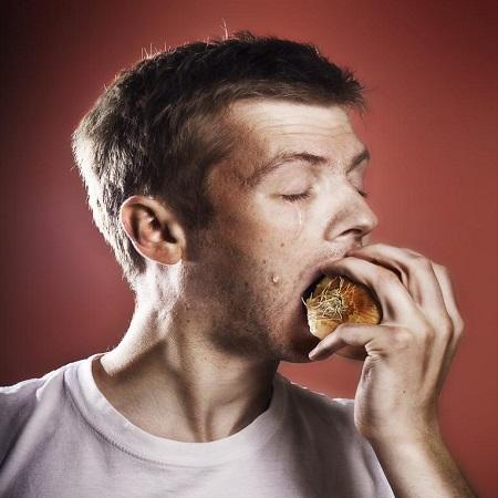 التخلص من رائحة البصل في الفم