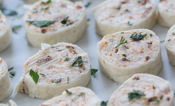 طريقة عمل سندويشات تورتيلا بالجبن