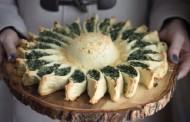 فطائر سبانخ لذيذه بالجبن في الفرن