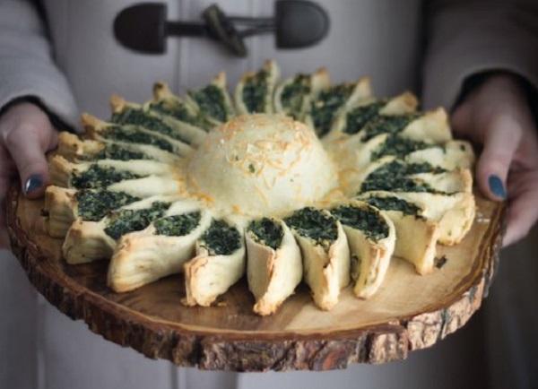 فطائر سبانخ لذيذه بالجبن