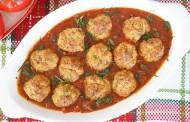 طريقة عمل كرات اللحم مع صلصة الطماطم