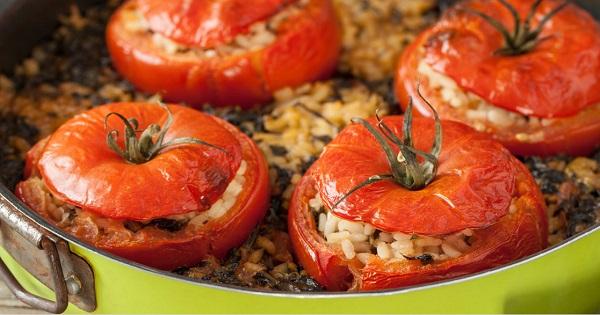 طريقة عمل محشي طماطم بالارز بالفرن