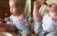 طفلة تاكل بقدمها وتحرك مشاعر الملايين