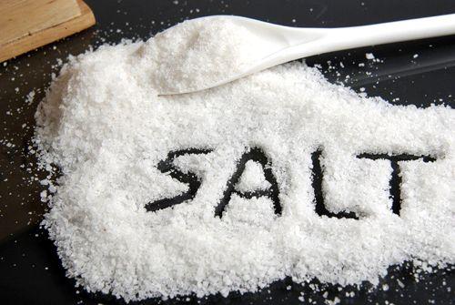 فوائد الملح لتنظيف البيت