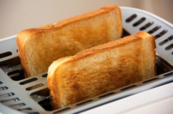 اضرار تحميص الخبز و النشويات