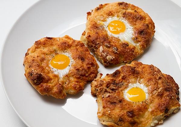 طريقة عمل عجة البيض بالجبن والخضار