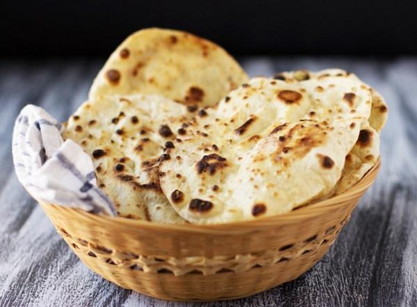 خبز النان الهندي بالزبدة