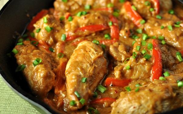 صدور الدجاج بزبدة الفول السوداني