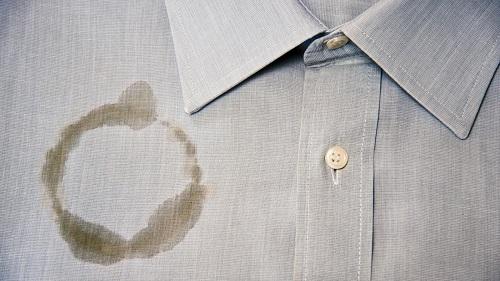 تنظيف شحم السيارات من الملابس