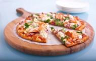 طريقة عمل بيتزا الدجاج المدخن