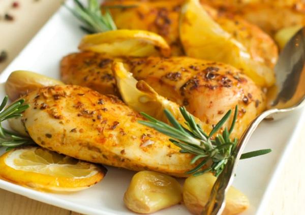 دجاج بالثوم والليمون بالفرن