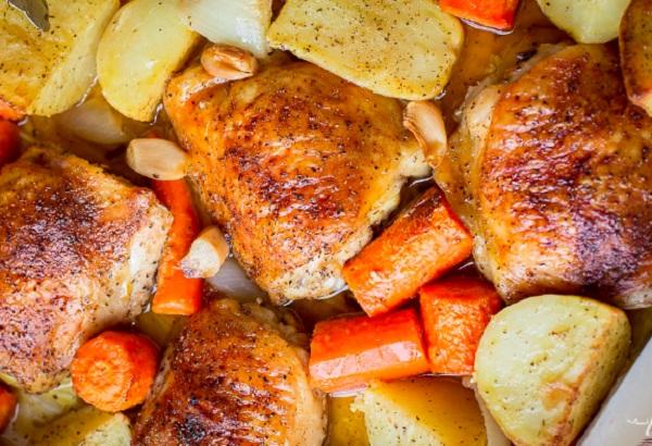 صينية الدجاج بالبطاطس بالفرن