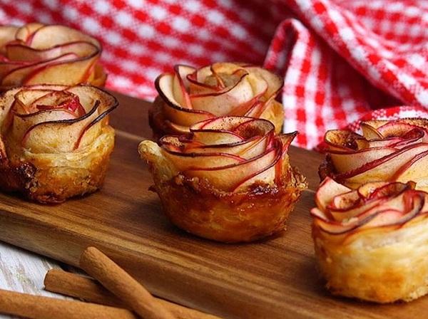 طريقة عمل فطيرة وردة التفاح