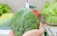 ما هي الطريقة الصحيحة لغسل الخضار والفواكه ؟
