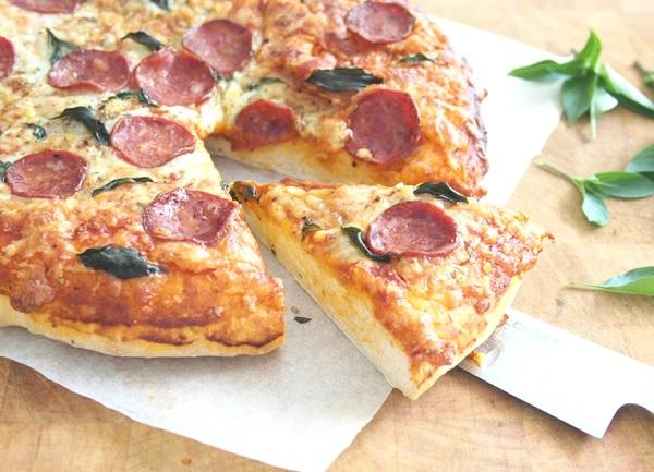 طريقة عمل بيتزا ببروني حلال