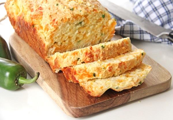خبز بالجبن الشيدر