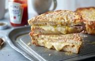 طريقة عمل سندوتشات بيض مقلي بالجبن