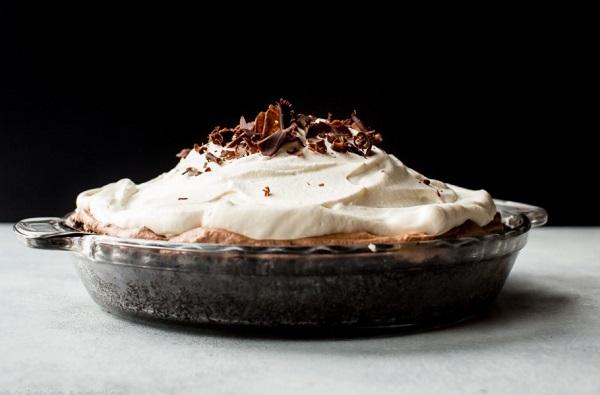 طريقة عمل فطيرة الشوكولاتة بالميرانغ