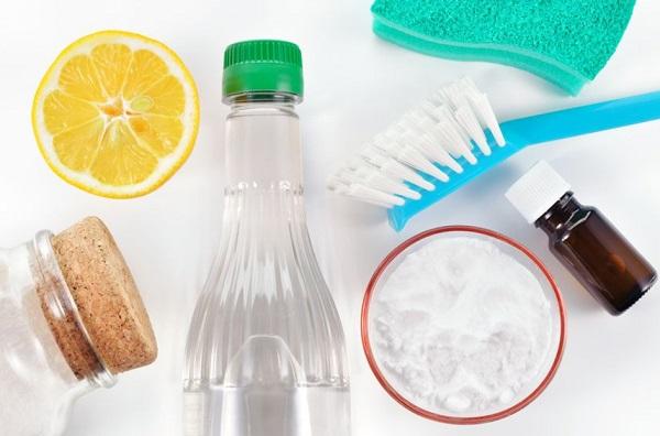 ازالة العفن عن البلاستيك