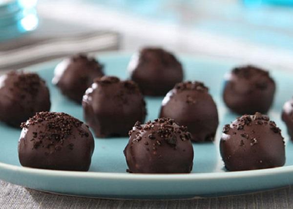 كرات الاوريو بالشوكولاته