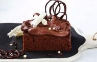طريقة عمل كيكة الشوكولاته الهشه اللذيذة