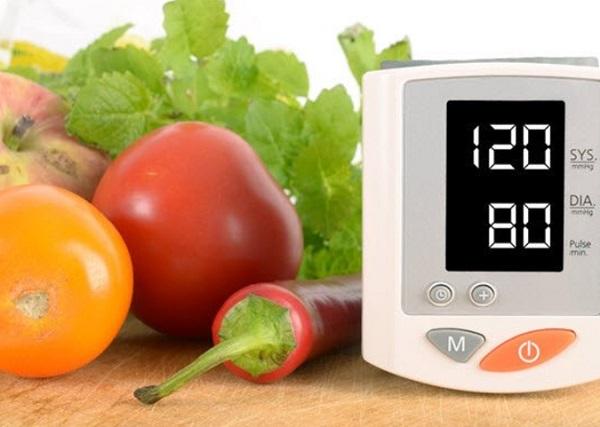 ماهي الاطعمه التي تسبب ارتفاع ضغط الدم ؟