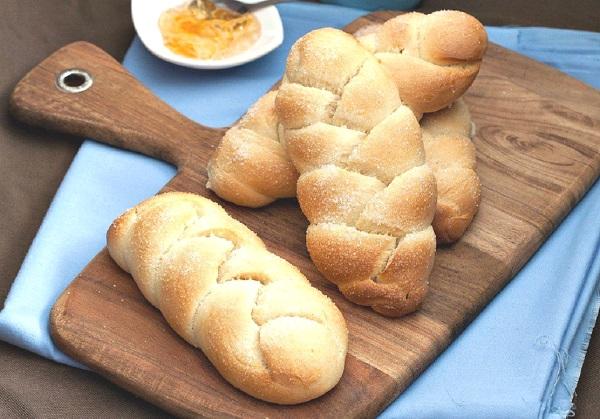 الخبز المجدل
