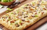 طريقة عمل بيتزا الدجاج والفطر