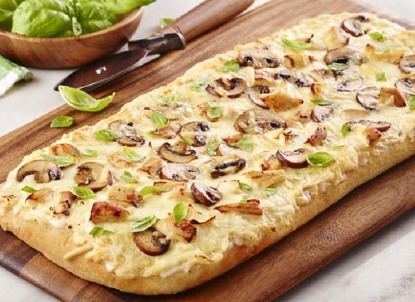 بيتزا الدجاج والفطر
