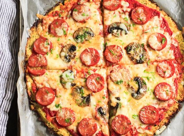 بيتزا السجق و القرنبيط