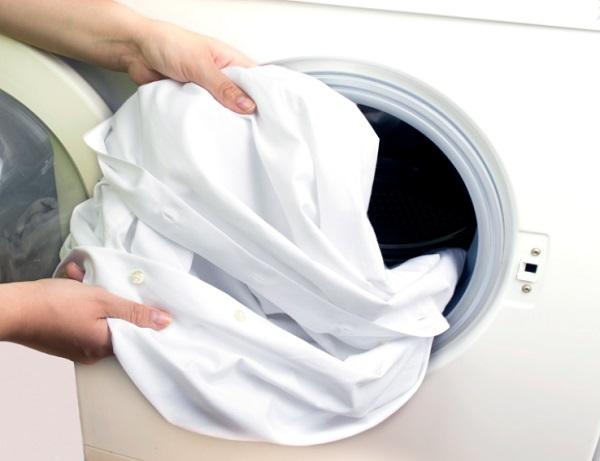تنظيف الصدا من الملابس البيضاء