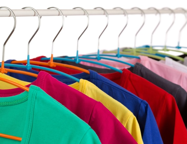 طريقة الحفاظ على الوان الملابس الجديدة