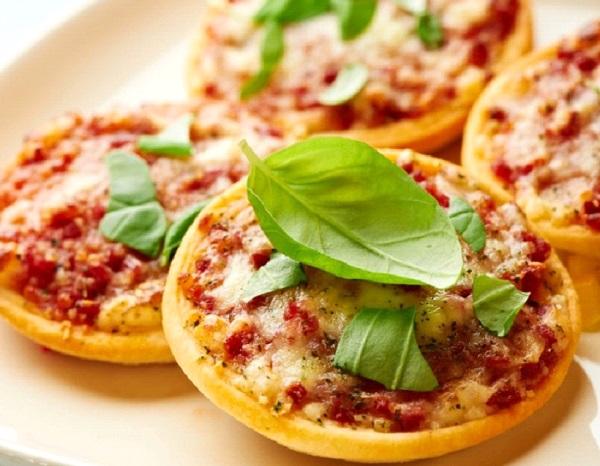 طريقة عمل اقراص البيتزا الصغيرة
