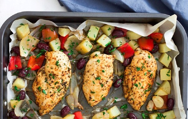 طريقة شوي صدور الدجاج بالفرن للرجيم