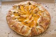طريقة عمل فطيرة التفاح بالجبنة