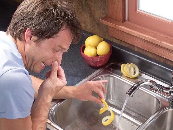 التخلص من الروائح الكريهة في المطبخ