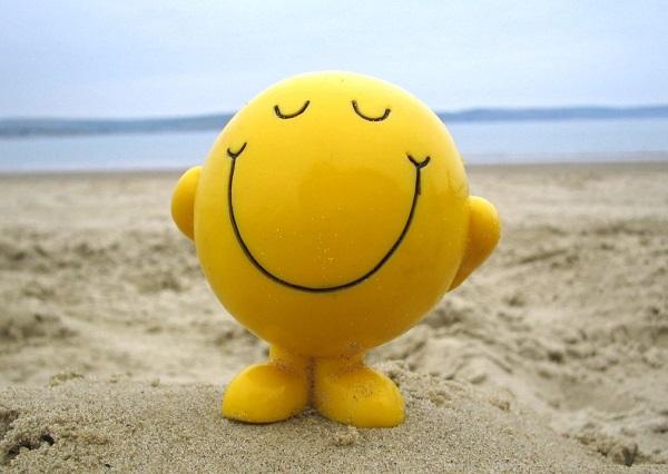 فوائد الضحك النفسية والجسدية