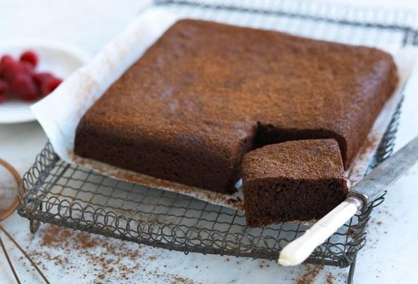 طريقة عمل كيكة الشوكولاته الاسفنجية بدون زبدة
