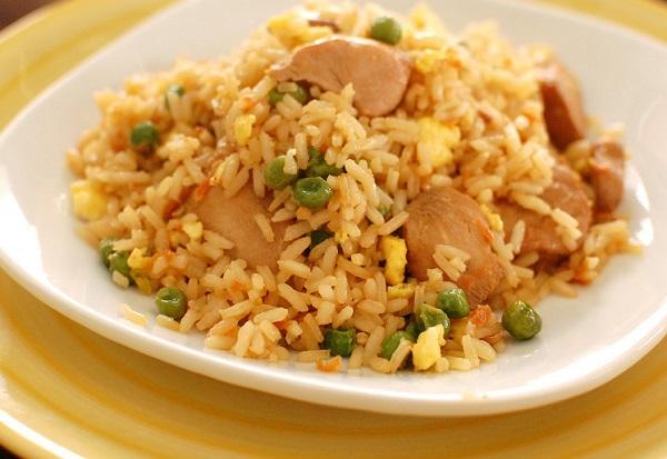 ارز صيني بالبيض