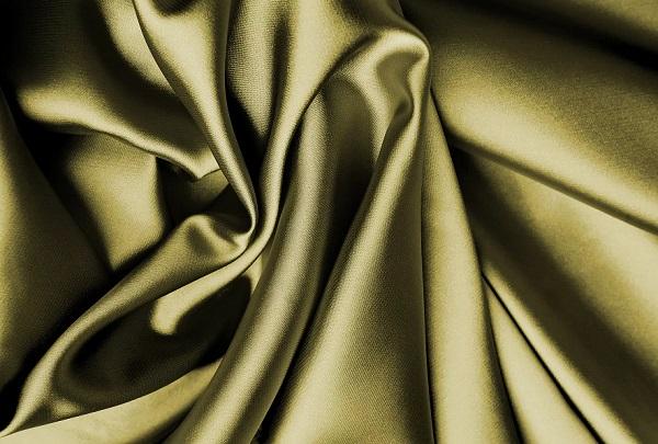 ازالة بقع الزيت من الملابس الحرير