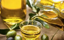 ما هي استخدامات زيت الزيتون في البيت ؟