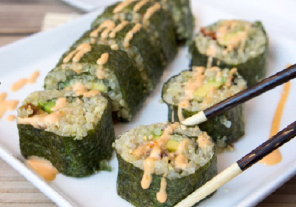 السوشي بالافوكادو