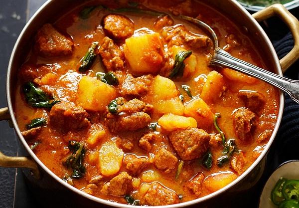 الكاري الهندي باللحم