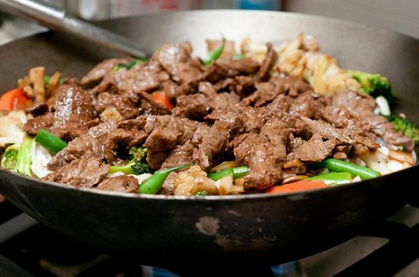 ستيك اللحم بالصويا صوص