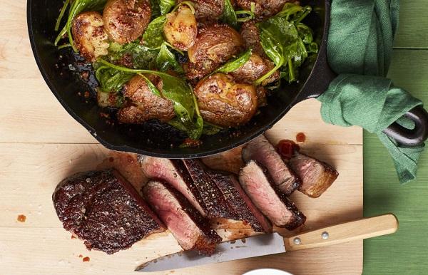 ستيك اللحم مع البطاطس