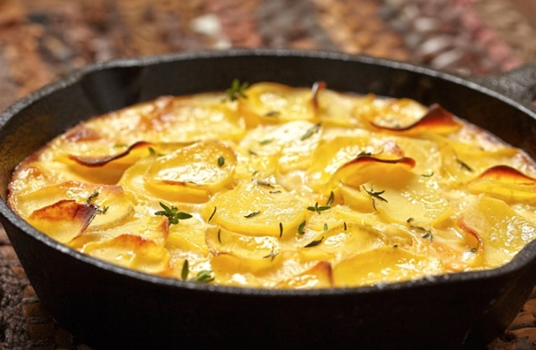 صينية البطاطس بالكريمة والجبن